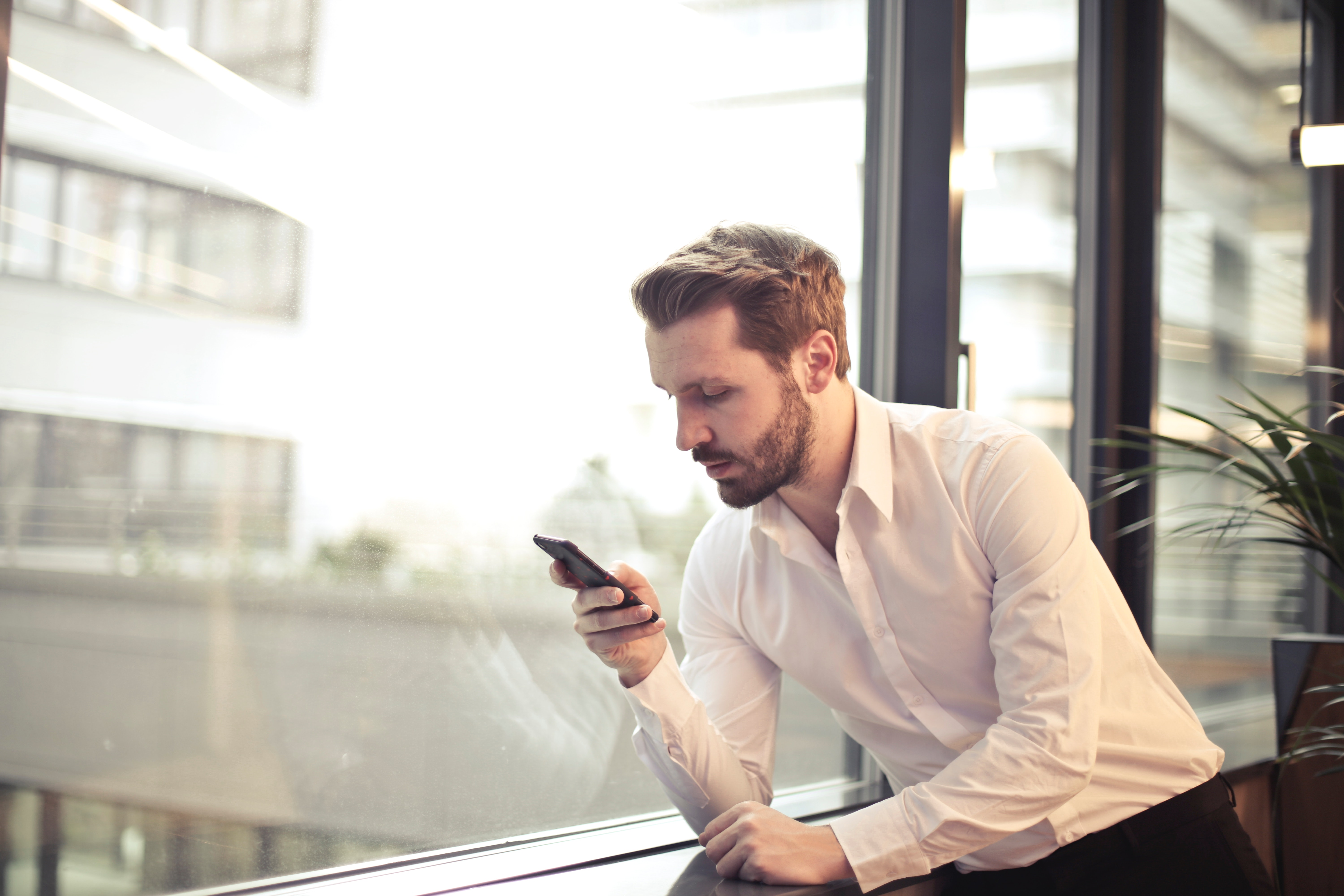 Business Mobile Phones, Mobiles Exeter, iPhone, MDM, Managed Services, blackberry-uem